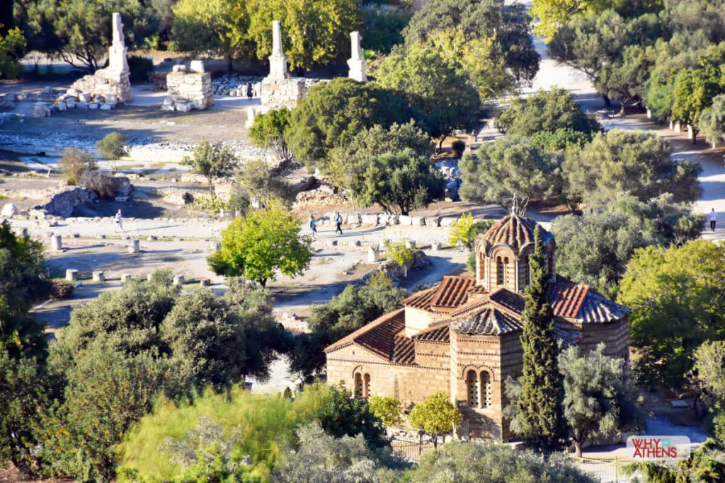 Churches in Athens and the remains of Byzantium